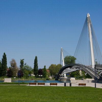 Bau einer Fussgänger- und Radfahrerbrücke über den Rhein zwischen Kehl und Strasbourg